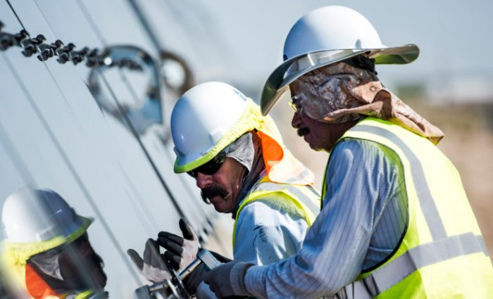 Latest U S Solar Jobs Census Reports First Drop In Years