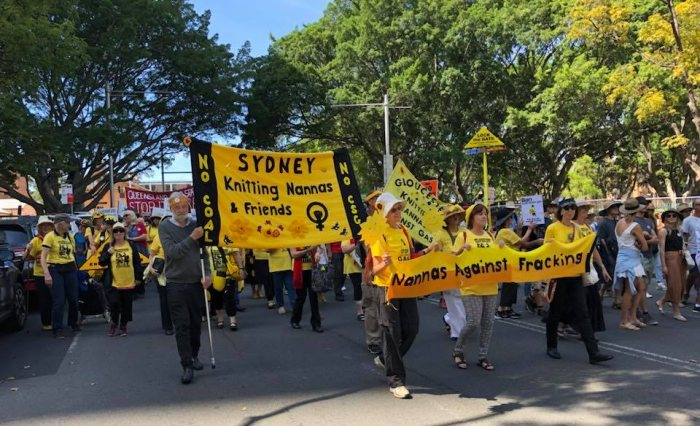 Knitting Groups Sydney : March in sydney to demand a clean energy future